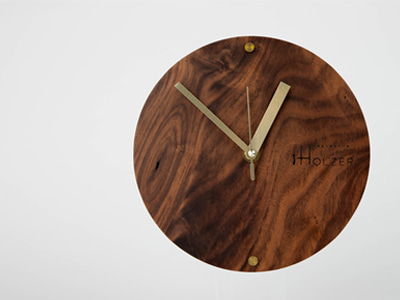 Brass circle wallclock